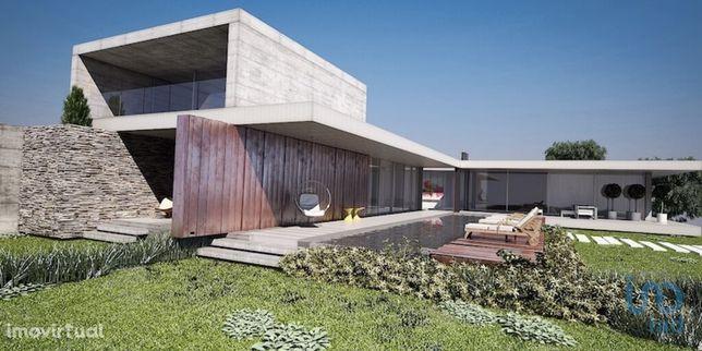 Moradia - 596 m² - T6