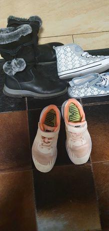 Sptzedam buty  3 pary dziewczynka  rozm 31