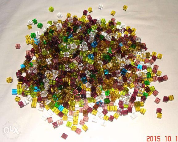 kostka szklana 100 sztuk mix kolorów.