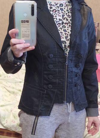 Куртка 44р М женская