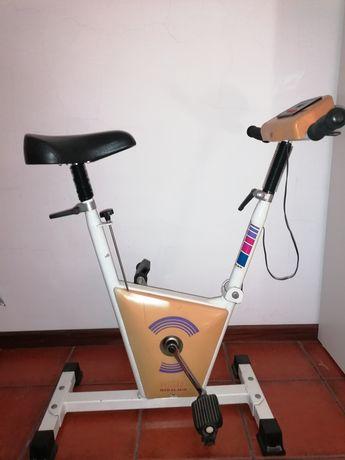 Bicicleta estática Miralago M26