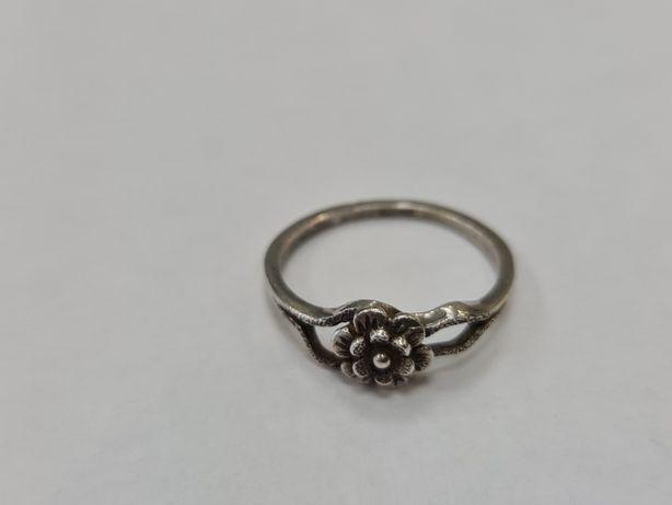 Warmet! Srebrny pierścionek damski/ 800/ 1.98 gram/ R16