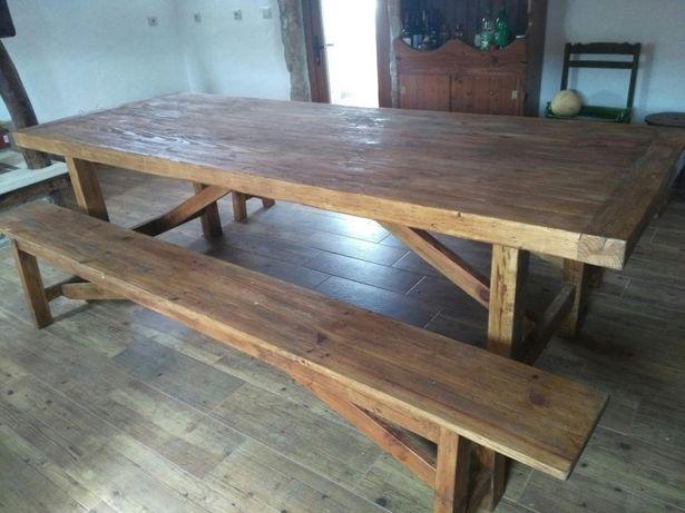 Mesa em madeira maciça rustica