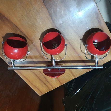 Lampa na trzy żarówki czerwona