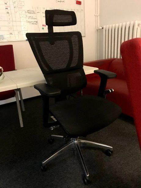 Różne krzesła do pracy przy komputerze
