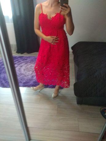 Sukienka ażurowa czerwona midi
