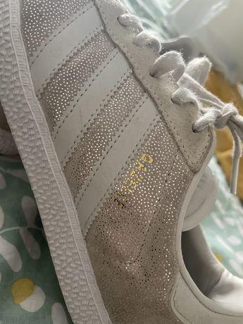Adidas  branco com brilho
