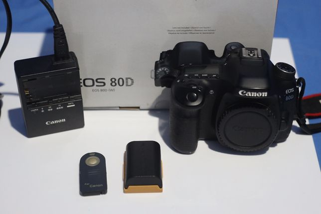 Lustrzanka, aparat Canon 80d body eos komplet
