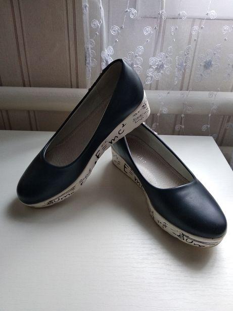 Туфли для дівчинки 34р
