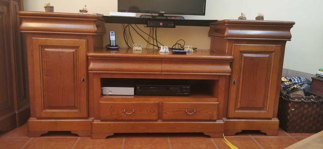 Móvel de TV em madeira.