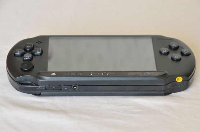 Портативная игровая приставка Sony PlayStation PSP-1004(Wi-Fi)прошитая