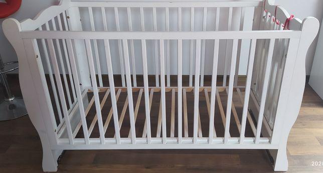 Łóżeczko dziecięce białe z baldachimem