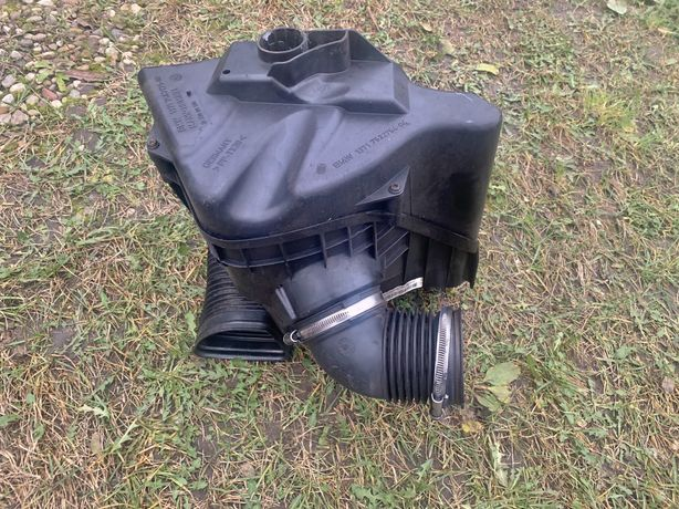 E90 E91 2.0i obudowa filtra powietrza