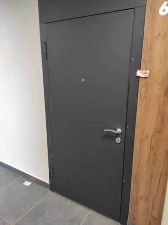 Двері вхідні хороші новобудова