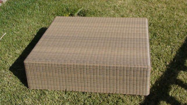 Mesa de apoio de exterior para jardim, café ou outra em fibra sintétic