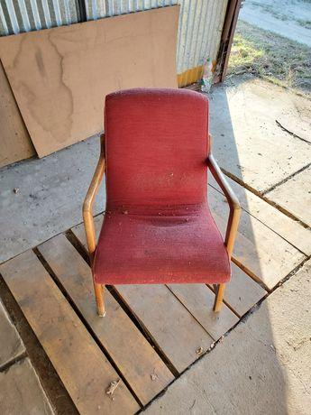 Fotele z PRL-u stare
