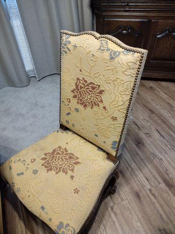 Krzesła w stylu ludwidowiskim