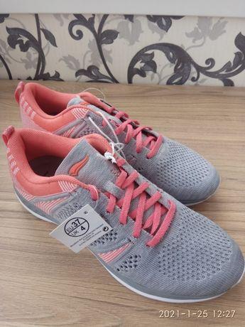 Продам жіночі кросівки Crivit PRO 37 розмір 650 грн.