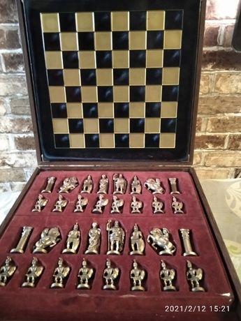 Продам классические элитные шахматы в упаковке Manopoulos 1970 года ,
