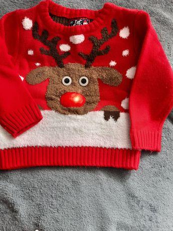 Sweterek ze swiecacym noskiem