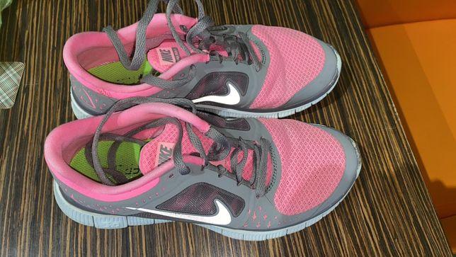 Кроссовки Nike 38р
