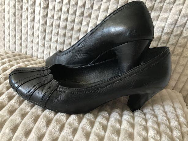 Skórzane  wygodne buty r.38/39