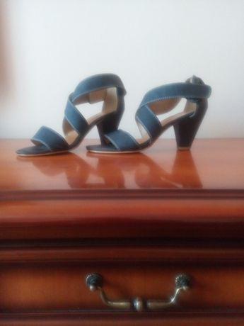 buty , sandały na obcasie