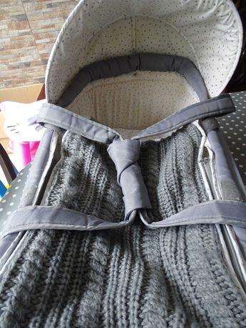 Alcofa leve e confortavel para transportar o bebe dentro de casa