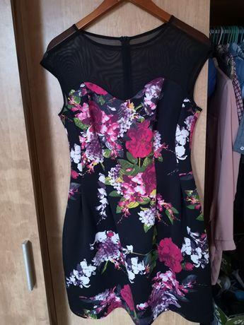 Sukienka w kwiaty 38