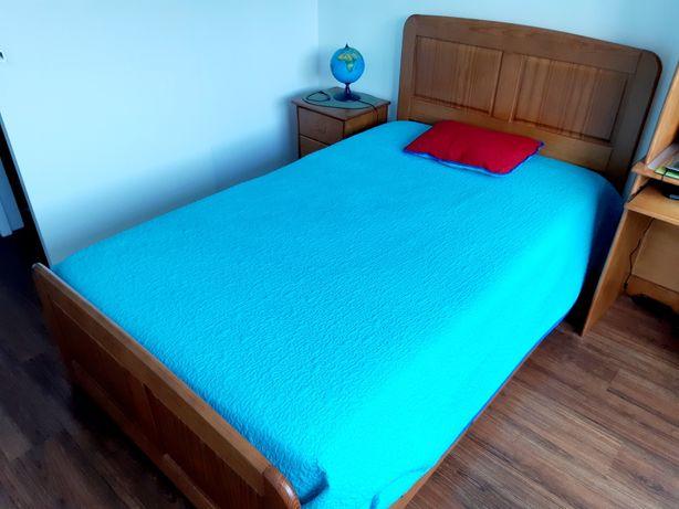 Mobília quarto solteiro, cama e meia em pinho - como nova