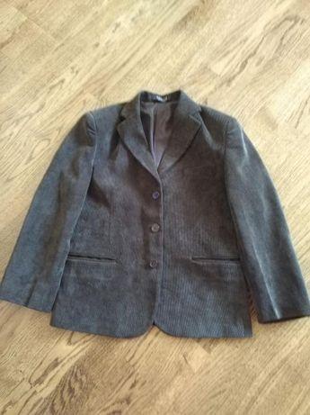 Пиджак болотного цвета