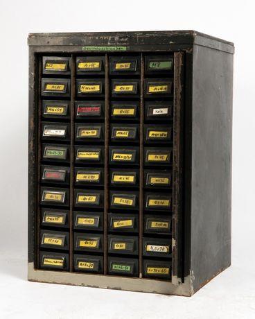 Armário de oficina em metal preto lacado| Escandinavo| Retro Vintage