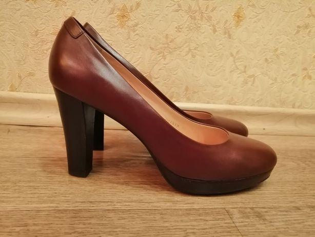 Кожаные женские туфли Geox Respira 39 размер, стелька 25.5 см