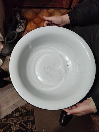 Продам миску емалированую