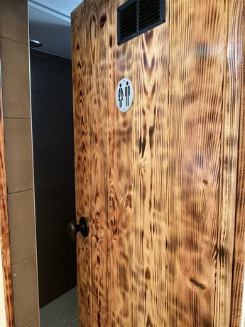 Porta de madeira à medida
