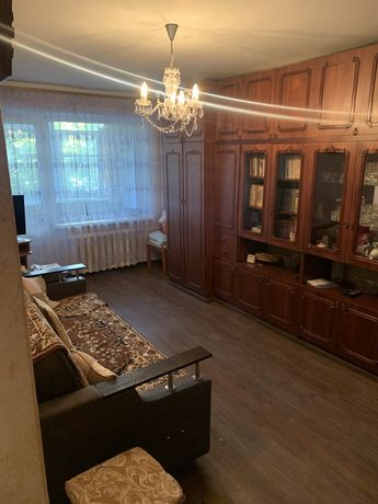 Продам Квартиру ТОПОЛЬ 1 (2-х комнатная )