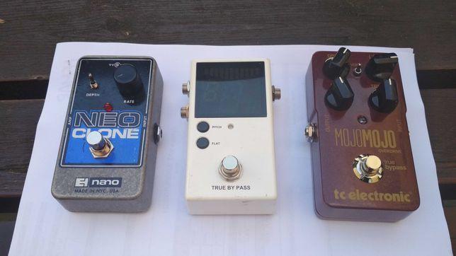 analog chorus ehx neo clone, tc electronic mojomojo overdrive, tuner