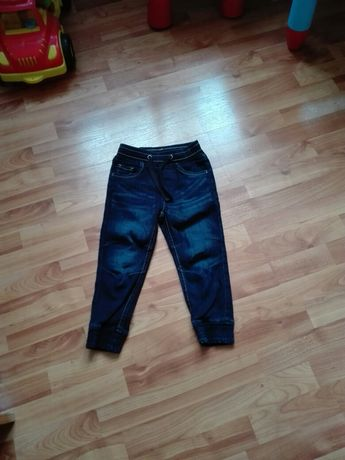 Spodnie-joggery nowe 98