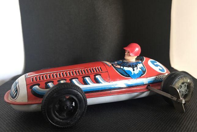 Brinquedo Antigo - Carro em chapa