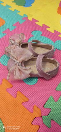 Красиві туфельки для принцеси