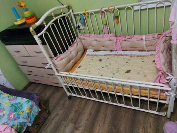 Комод пеленальный и кроватка