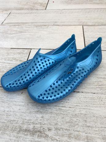 Взуття тапочки шльопанці Arena