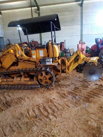 Tractor lagartas com grade discos em V