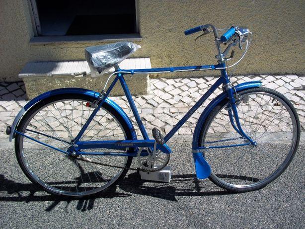 Bicicleta Pasteleira Triumph Vintage
