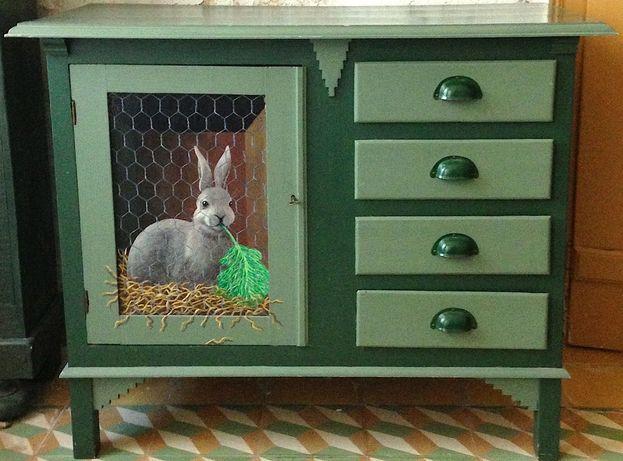 Armário rústico com pintura