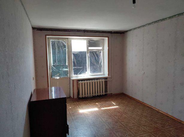 Однокімнатна квартира у цегляному будинку.