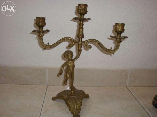 Castiçal em bronze