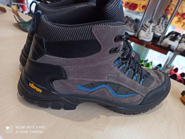 Ботинки Everest Watertex мужские трекинговые ботинки. Подошва vibram.