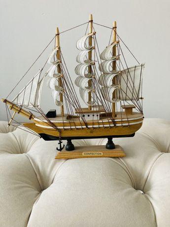 Drewniany model statku
