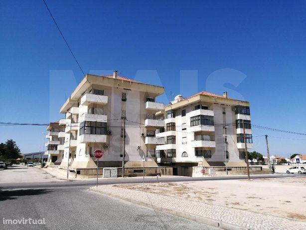 Estacionamento de 89 lugares em Samora Correia